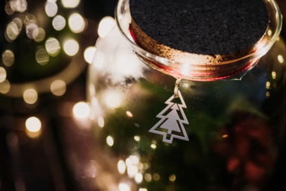 dekoracje na świątecznych lasach.w słoiku